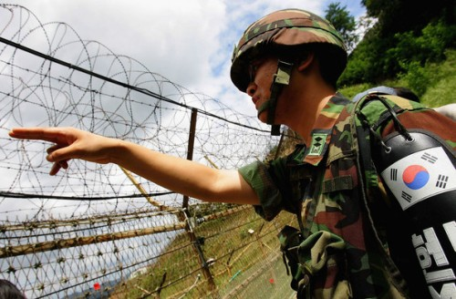 southkoreansoldierspatroldemilitarized8hvoskaatcfl